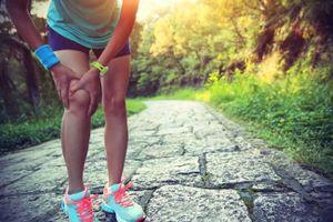 Bị đau khớp gối có nên chạy bộ không?