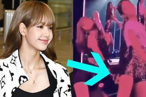 Lisa 'sàm sỡ' Jennie ngay trên sân khấu nhưng bất ngờ nhất là phản ứng khoái ra mặt của cô chị