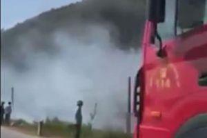 Clip: Cháy rừng dữ dội ở Nghệ An, rất nhiều xe cứu hỏa đã được huy động