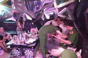 Hưng Yên: Gần trăm dân chơi dương tính với chất ma túy tại quán Karaoke PhanTom