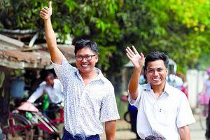 Hai nhà báo Myanmar ngồi tù nhận giải Pulitzer danh giá