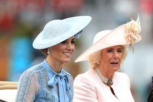 Công nương Kate Middelton diện váy xuyên thấu vô cùng xinh đẹp tại lễ hội Hoàng gia