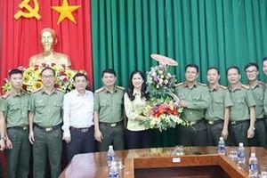 Lãnh đạo tỉnh Đắk Nông chúc mừng cán bộ, chiến sỹ làm công tác tuyên truyền
