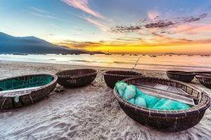 Chuyện nhặt ở bãi biển đẹp nhất hành tinh