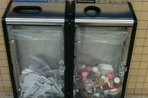 Australia dùng thùng rác trong suốt để nâng cao ý thức phân loại rác
