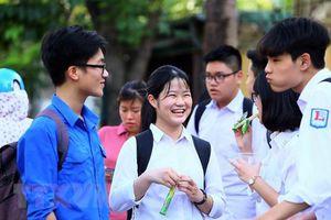 Điểm chuẩn vào lớp 10 chương trình song bằng tú tài tại Hà Nội