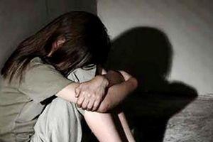 Bắt tạm giam Bí thư đoàn phường dâm ô bé gái 11 tuổi tại trụ sở UBND