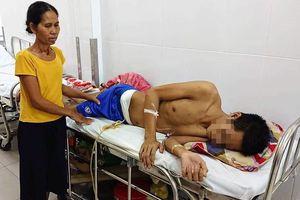 Mẹ nghèo bất lực nhìn con trai bị tai nạn nặng nề, nguy cơ phải đoạn chi mà không làm được gì