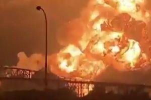 Quả cầu lửa trên bầu trời Philadelphia do nổ nhà máy lọc dầu