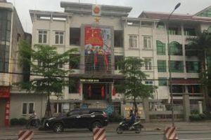 Bắt thanh niên bị tố sàm sỡ bé gái tại trụ sở UBND phường