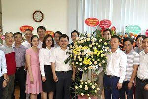 Bí thư thường trực T.Ư Đoàn chúc mừng 21/6 báo Tiền Phong