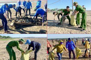 Hơn 700 đoàn viên tham gia dọn rác tại biển Diễn Thành