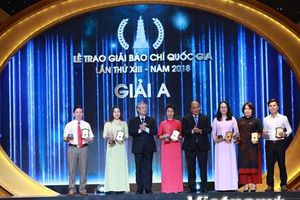 Toàn cảnh Lễ trao Giải Báo chí Quốc gia lần thứ 13