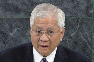 Cựu Ngoại trưởng Philippines bị trục xuất ngay tại sân bay Hong Kong