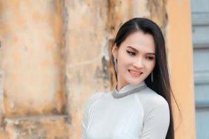 Hoa hậu Halita Trần 'gây thương nhớ' trong tà áo dài trắng tại quê nhà Nam Định