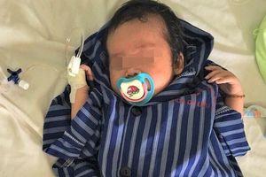 Bé sơ sinh 23 ngày tuổi bị thoát vị bẹn nghẹn