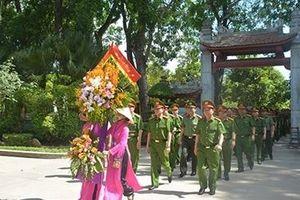 Hệ Văn phòng Cơ quan CSĐT dâng hương tưởng niệm Chủ tịch Hồ Chí Minh