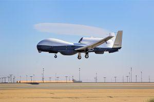 Nghi vấn máy bay bị bắn hạ đổ dồn về 'siêu mắt thần' RQ-4C của Mỹ