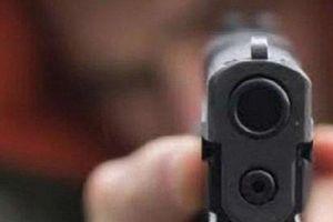 Khởi tố nam thanh niên dùng súng bắn vào cửa nhà bạn học cũ ở Hải Dương
