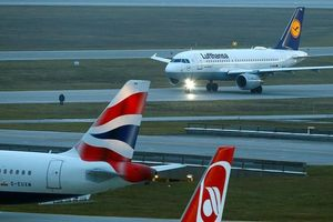 Sau Mỹ, các hãng hàng không thế giới 'né' không phận Iran