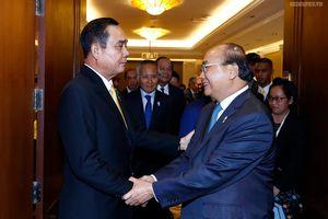 Thủ tướng gặp gỡ song phương bên lề Hội nghị ASEAN 34