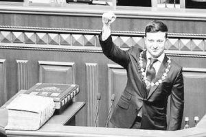 Giai đoạn thử thách của tân Tổng thống Ukraine