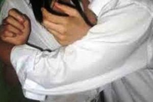 Cô gái 15 tuổi tố cáo bị chủ tiệm hớt tóc xâm hại tình dục