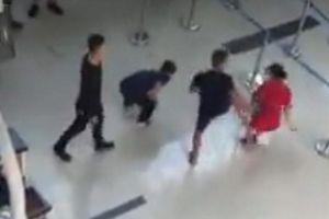 Lăng kính Bạn đọc: An ninh sân bay, cần mạnh tay hơn nữa!