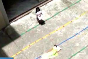 Giáo viên bị đuổi việc vì phạt 2 trẻ mầm non đứng giữa trưa nắng gắt