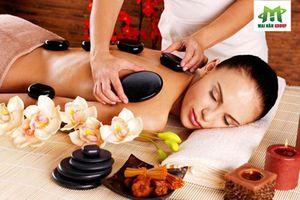 Đến Day Spa giảm stress hữu hiệu với liệu pháp massage body bằng đá nóng