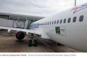 Hoãn chuyến bay vì tiếp viên phát hiện bào thai trong buồng vệ sinh