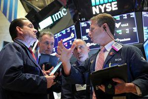 S&P 500 'đuối sức' sau khi lập kỷ lục mới