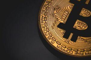 Bitcoin vượt ngưỡng 10.000 đô la, 'nhà đầu tư' phấn chấn