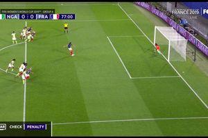 FIFA phải sửa luật bắt lỗi thủ môn di chuyển khi bắt 11m
