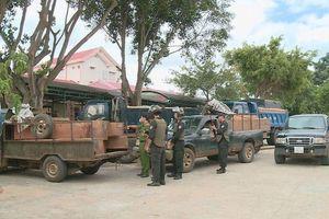 Công an Đắk Lắk nổ súng trấn áp nhóm lâm tặc hung hãn lao xe ô tô chống trả