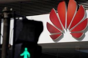 Chuyển phát smartphone Huawei vào Mỹ gặp khó