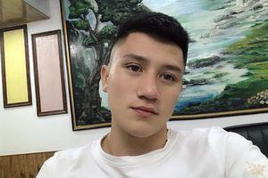 Cầu thủ sinh năm 2000 khiến fan nữ đòi 'làm dâu Thanh Hóa'