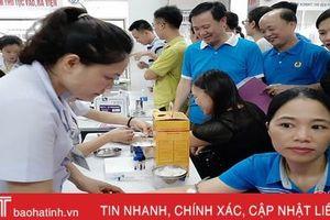 Khám sức khỏe cho cán bộ chuyên trách công đoàn Hà Tĩnh