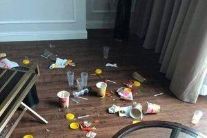 Xôn xao nhóm người thuê phòng khách sạn 5 sao nhưng ăn ở 'bẩn thỉu' khiến dân tình phải lắc đầu ngao ngán