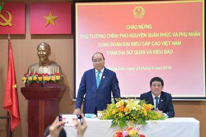 Thủ tướng Nguyễn Xuân Phúc gặp gỡ kiều bào tại Thái Lan