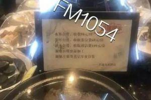 Mang dưa hấu tự mua đến nhà hàng, hóa đơn bị tính thêm 350 ngàn 'phí làm sạch hoa quả'