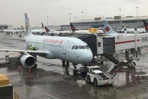 Nữ hành khách 'bi phẫn' về trải nghiệm ngủ gục trên máy bay và bị cả thế giới bỏ quên