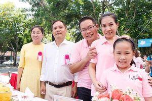 Gia đình 4 thế hệ nâng niu bữa cơm gia đình