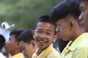 Đội bóng Lợn Rừng dự lễ cúng dường sau 1 năm sự kiện Tham Luang