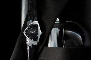 Đồng hồ Hamilton Ventura - bạn đồng hành của các anh hùng đặc vụ