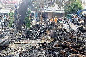 Cháy rụi 12 ki-ốt kinh doanh gần khu vực chợ