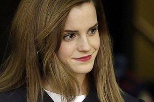 'Phù thủy' Emma Watson tặng sách cho sinh viên