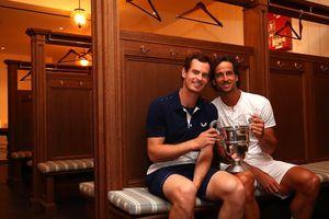 Andy Murray: Vô địch đôi Queen's Club, được 'ghép đôi' với Serena, Venus, Sharapova tại Wimbledon