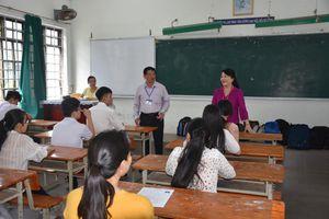 Thứ trưởng Nguyễn Thị Nghĩa kiểm tra công tác chuẩn bị thi THPT quốc gia tại Đà Nẵng