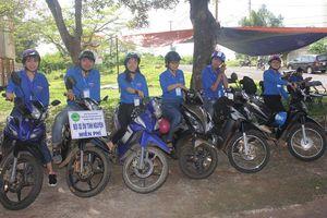 Gia Lai: Đội xe ôm miễn phí sẵn sàng phục vụ thí sinh